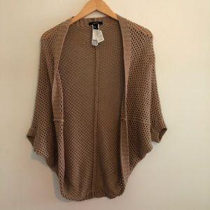 Tan knitted short sleeve shrug/cardigan